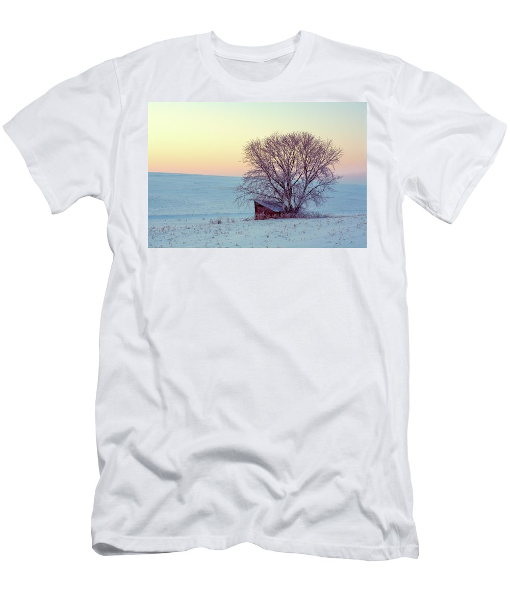 Leanto Men's T-Shirt (Athletic Fit) featuring the photograph Old Leanto by Todd Klassy