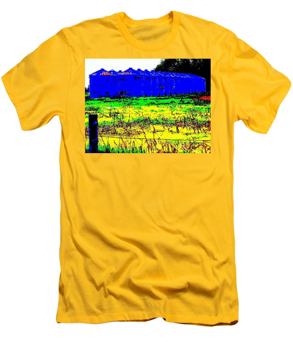 Landscape Men's T-Shirt (Athletic Fit) featuring the photograph Andys Farm by Ed Smith