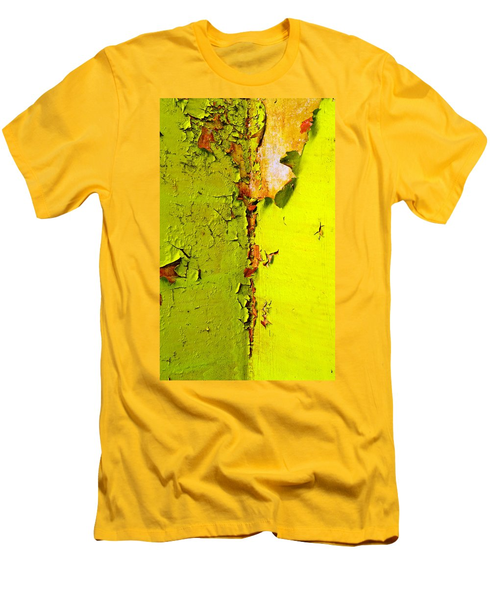 Skip Hunt Men's T-Shirt (Athletic Fit) featuring the photograph Going Green by Skip Hunt