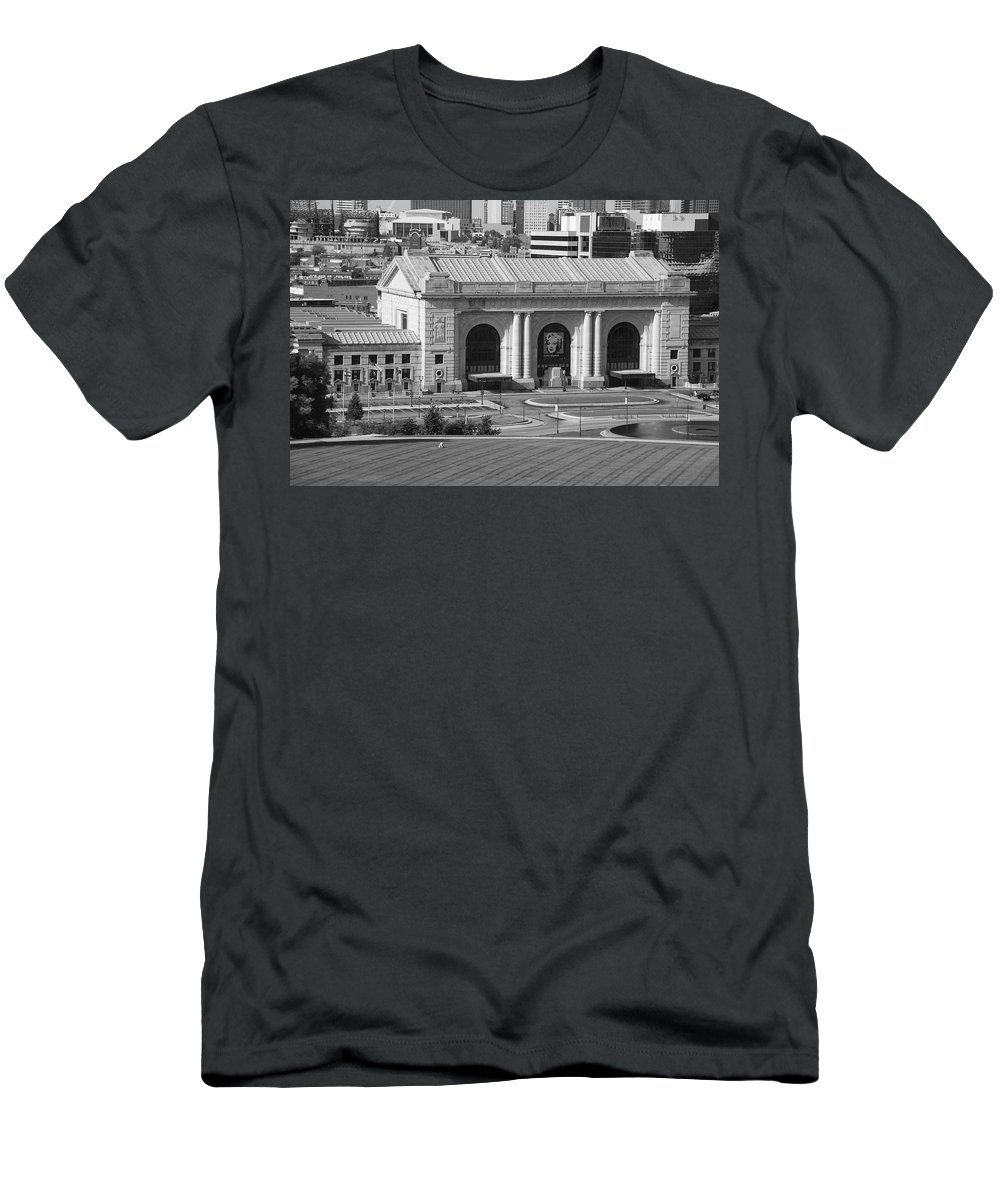 America Men's T-Shirt (Athletic Fit) featuring the photograph Kansas City - Union Station by Frank Romeo