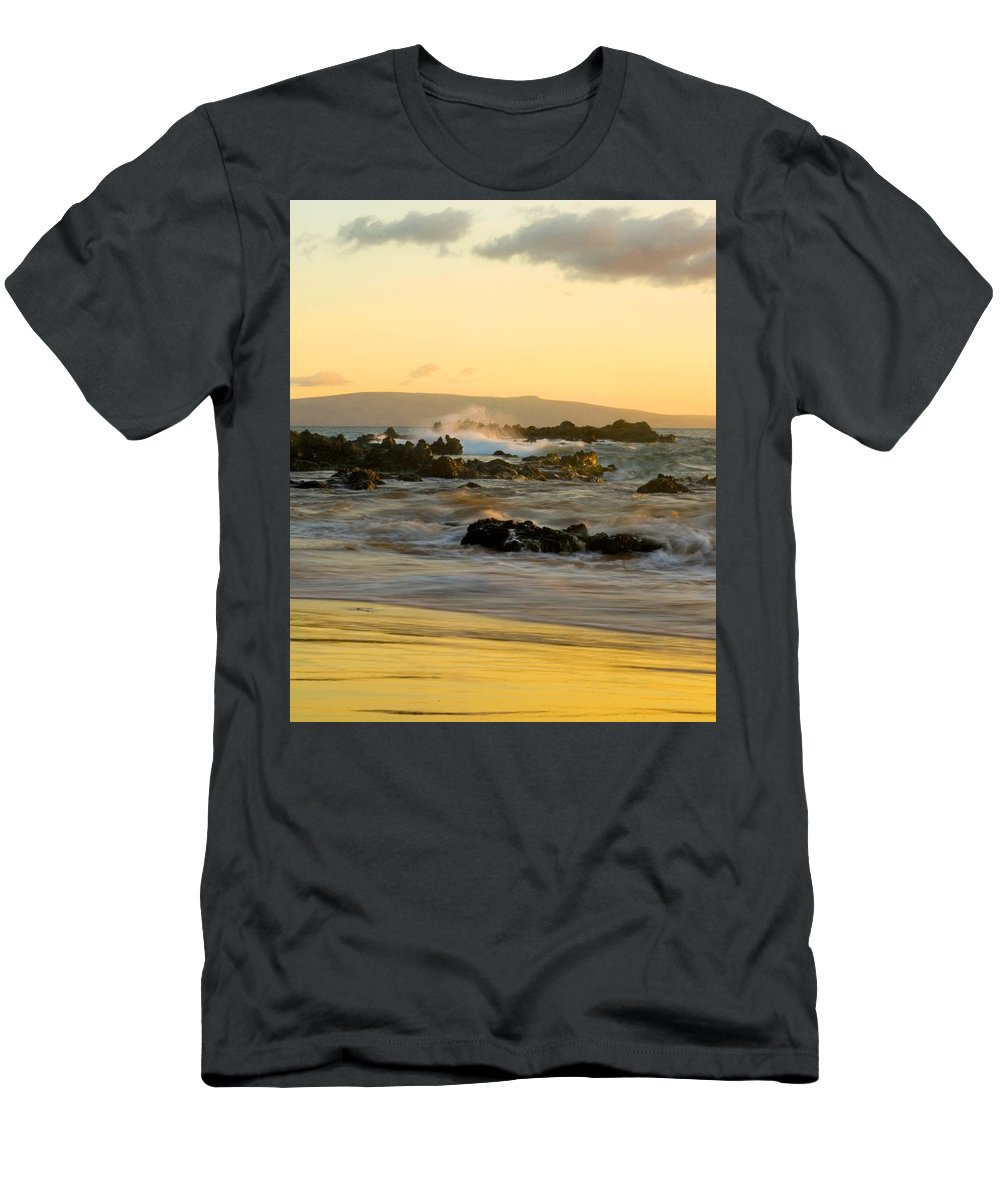 Pacific Ocean Men's T-Shirt (Athletic Fit) featuring the photograph Maui Sunset by Benjamin Reed