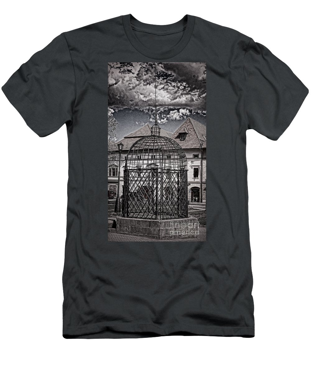 Cage Men's T-Shirt (Athletic Fit) featuring the photograph Medieval Cage Of Shame by Les Palenik