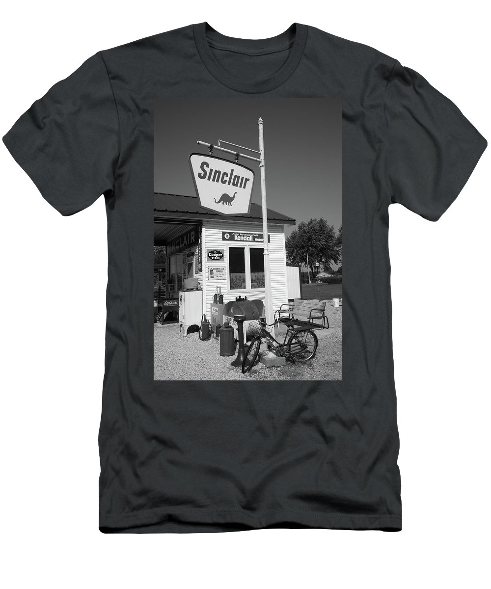 66 Men's T-Shirt (Athletic Fit) featuring the photograph Route 66 - Sinclair Station by Frank Romeo