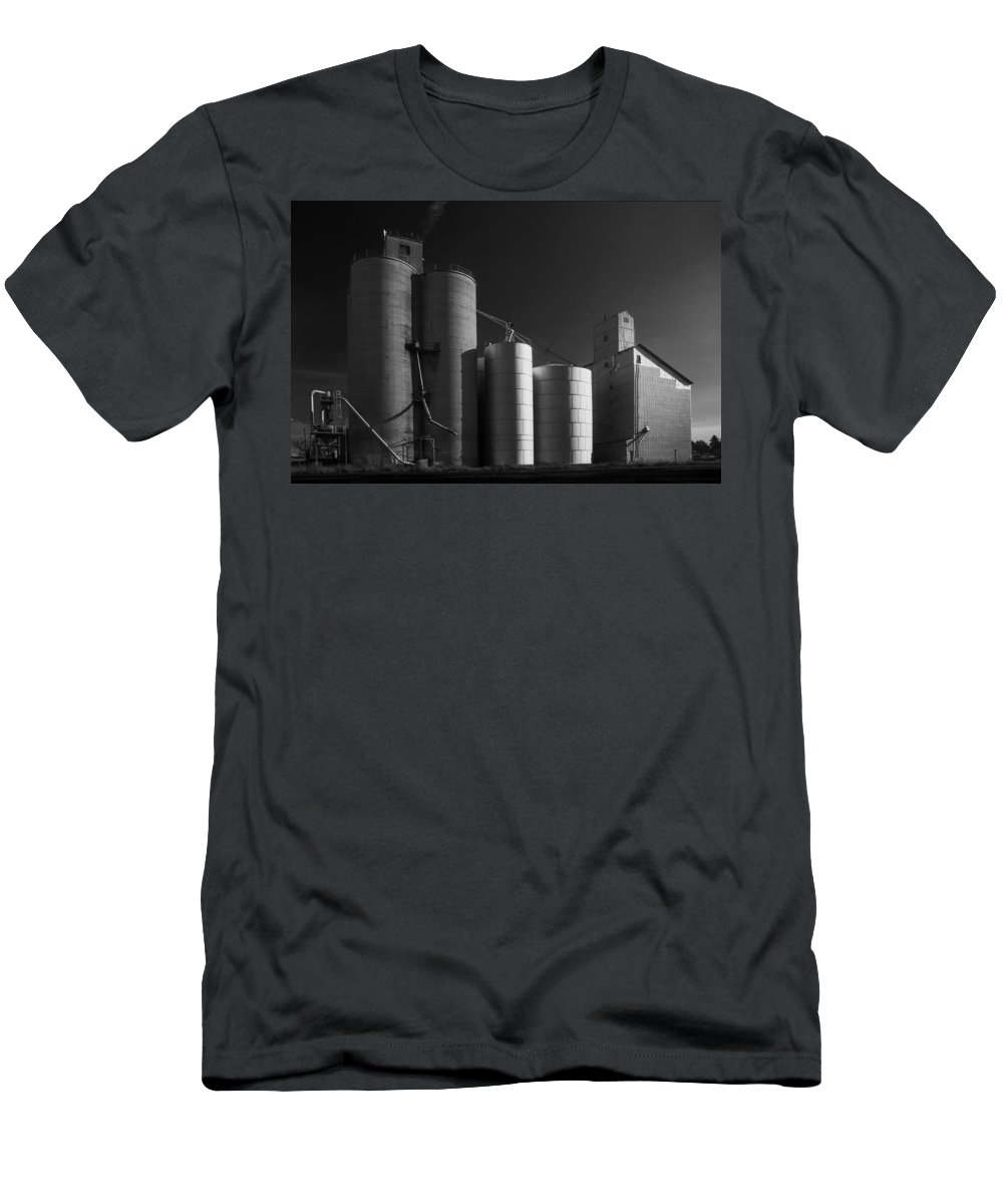 Wheat Men's T-Shirt (Athletic Fit) featuring the photograph Spangle Grain Elevator by Paul DeRocker