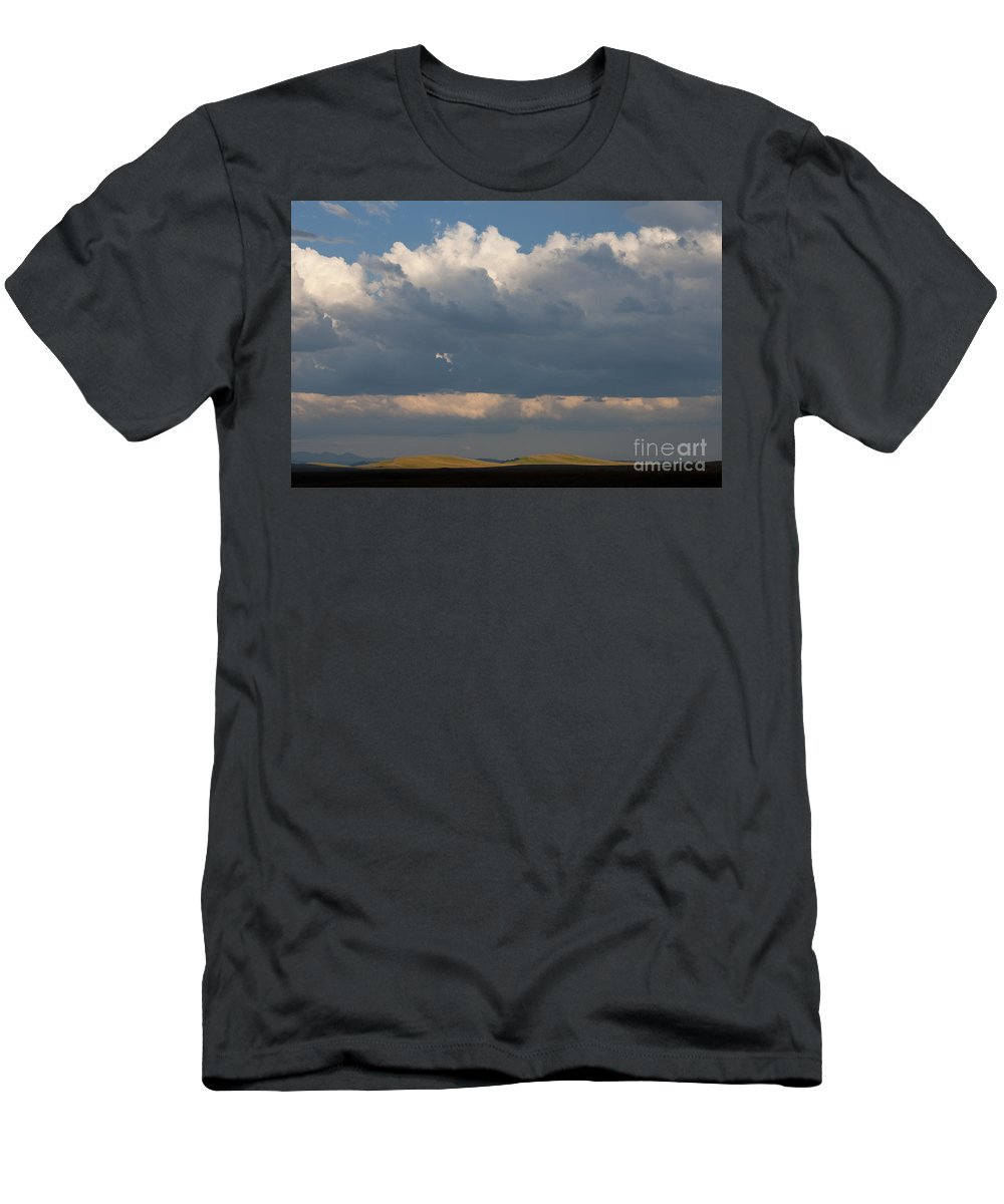 Zumwalt Prairie Men's T-Shirt (Athletic Fit) featuring the photograph Summer Clouds by John Shaw