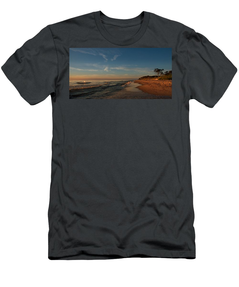 Ostsee Men's T-Shirt (Athletic Fit) featuring the pyrography Weststrand by Steffen Gierok