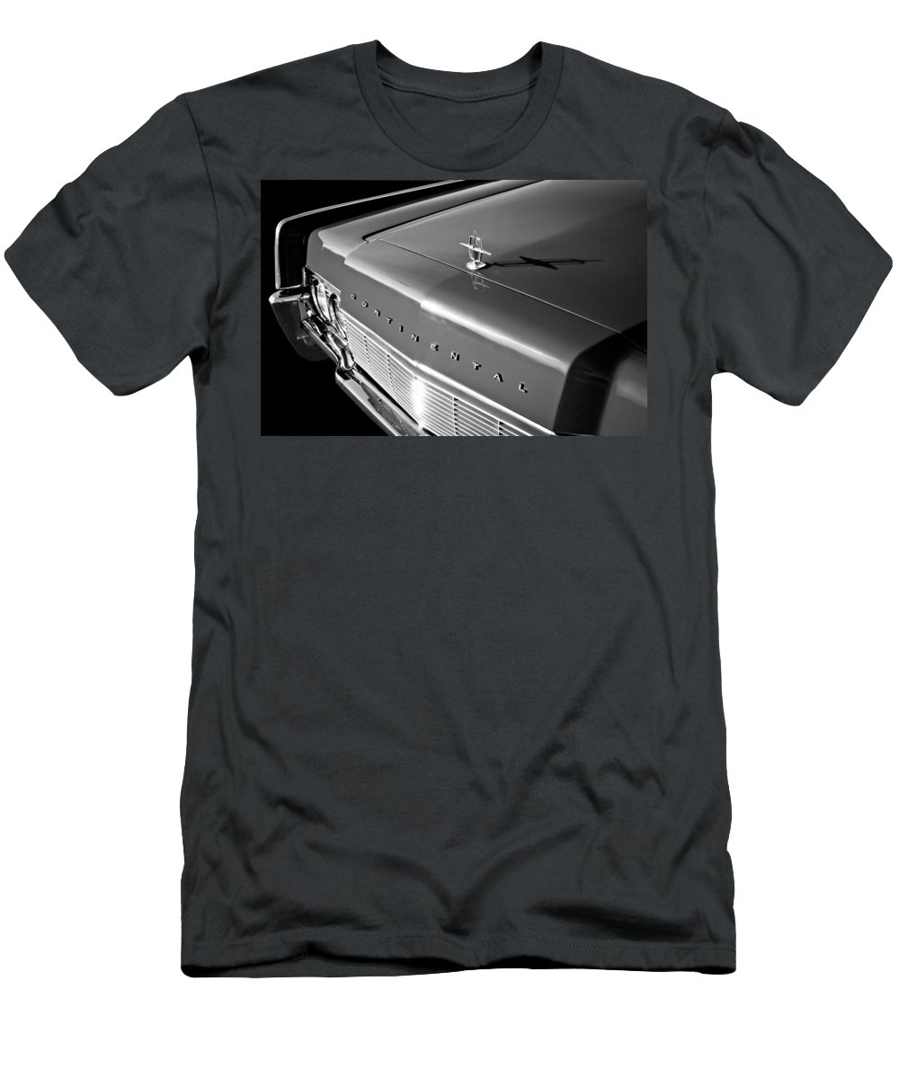 1967 Lincoln Continental Hood Ornament Men's T-Shirt (Athletic Fit) featuring the photograph 1967 Lincoln Continental Hood Ornament - Emblem -646bw by Jill Reger