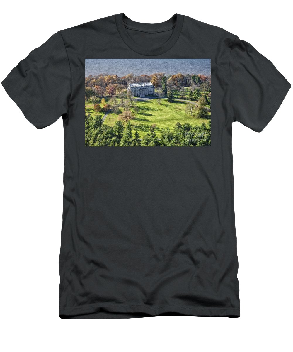 Hudson River Men's T-Shirt (Athletic Fit) featuring the photograph Vanderbilt Mansion by Claudia Kuhn