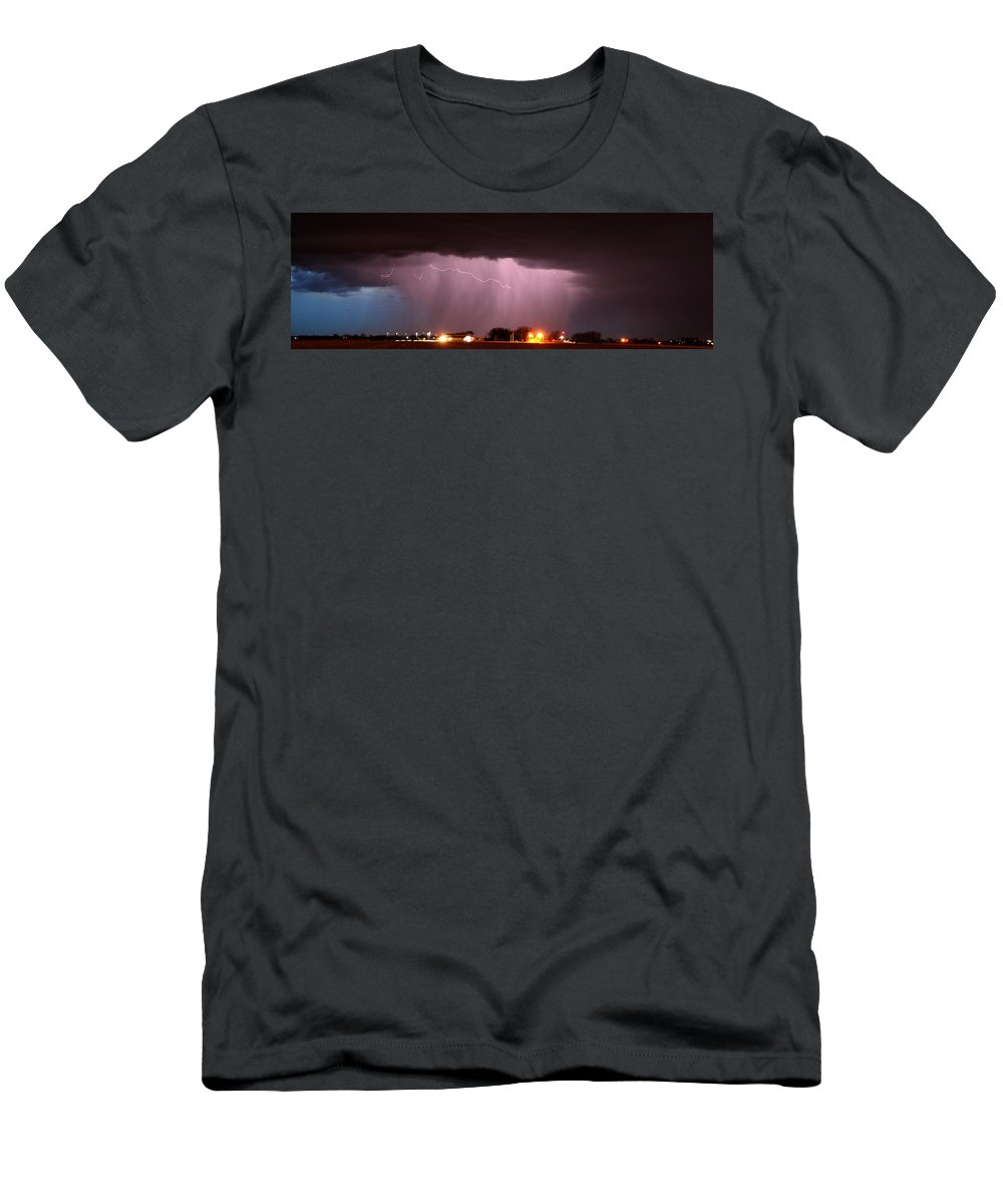 Stormscape Men's T-Shirt (Athletic Fit) featuring the photograph Late Evening Nebraska Thunderstorm by NebraskaSC