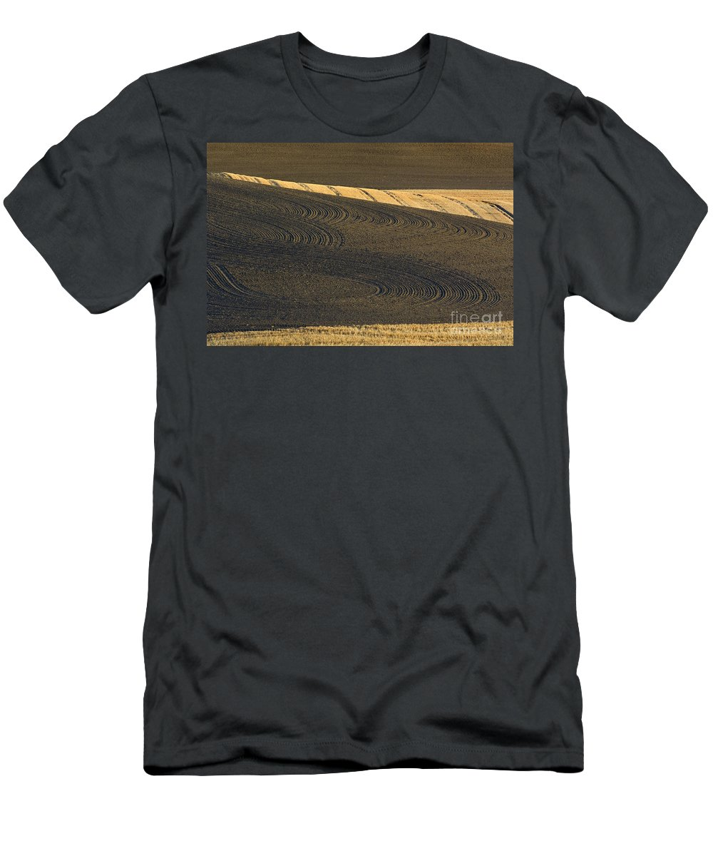 Field Men's T-Shirt (Athletic Fit) featuring the photograph Farm Fields by John Shaw