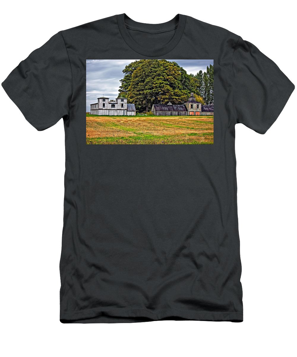 Barn Men's T-Shirt (Athletic Fit) featuring the photograph 5 Star Barns by Steve Harrington