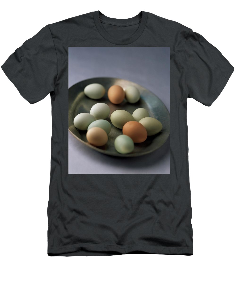 Cooking Men's T-Shirt (Athletic Fit) featuring the photograph A Bowl Of Eggs by Romulo Yanes