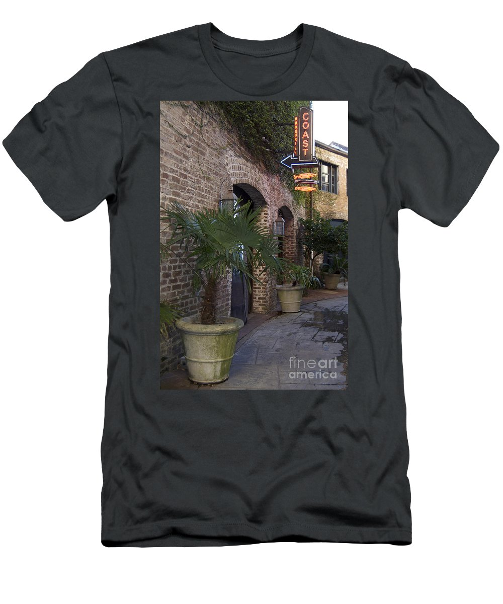 Scenic Tours Men's T-Shirt (Athletic Fit) featuring the photograph Alley Restaurant by Skip Willits