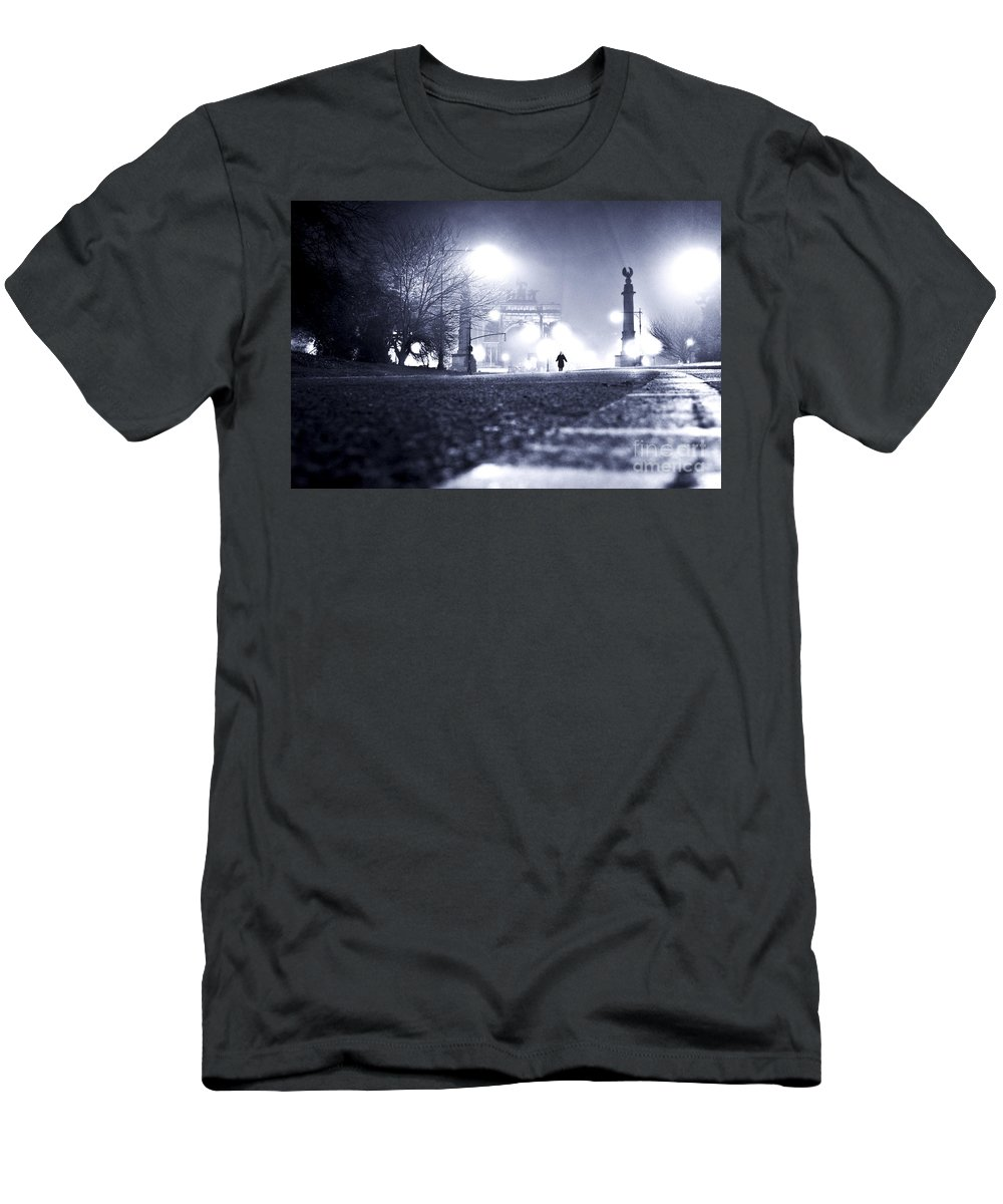 New York City Men's T-Shirt (Athletic Fit) featuring the photograph Alone Brooklyn Nyc Usa by Sabine Jacobs
