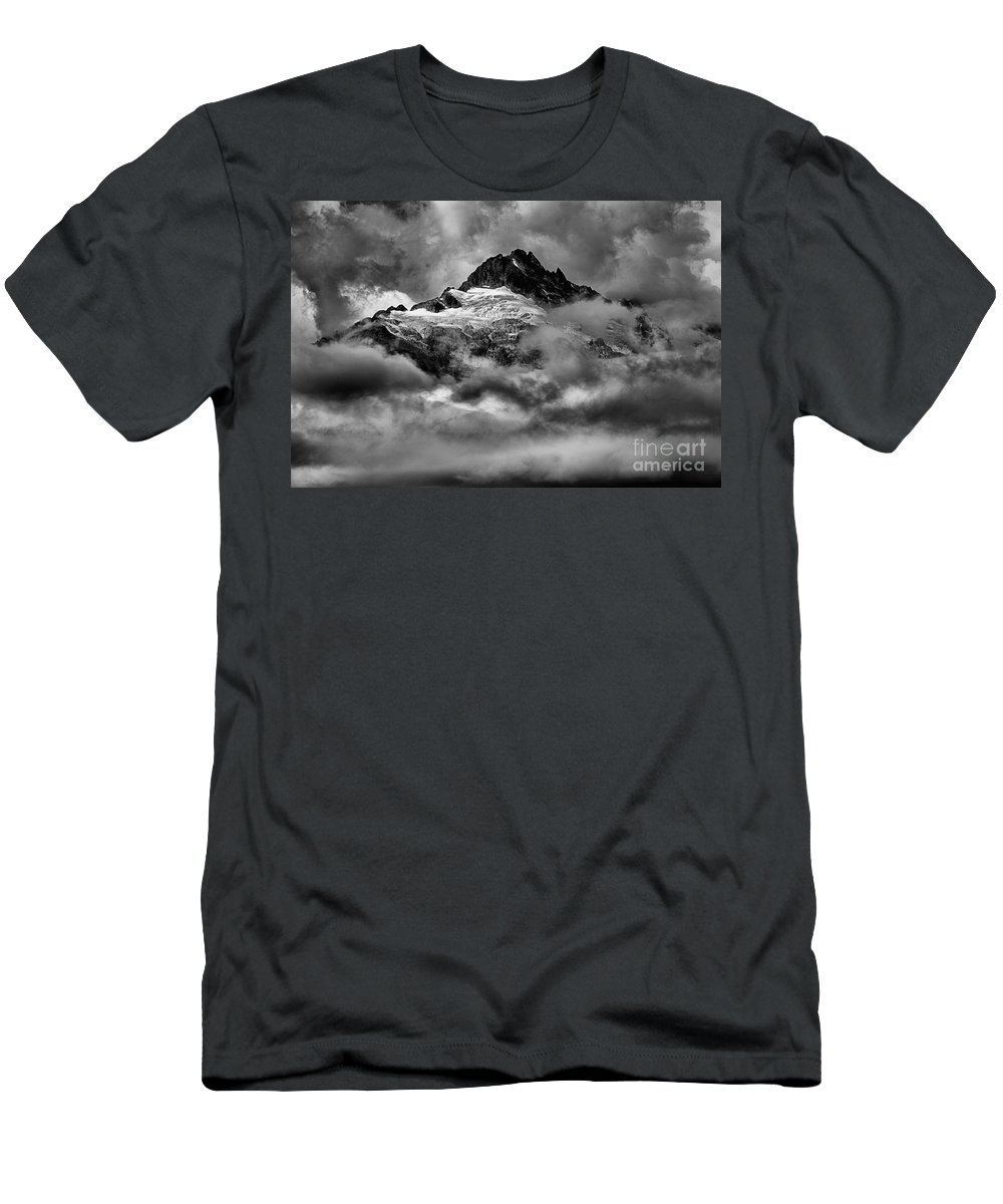 Tantalus Men's T-Shirt (Athletic Fit) featuring the photograph Balck And White Tantalus Peaks by Adam Jewell