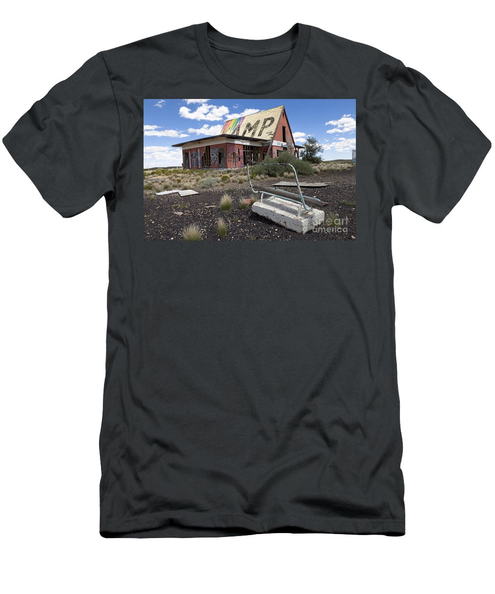 Route 66 Men's T-Shirt (Athletic Fit) featuring the photograph Bench At Two Guns by Rick Pisio