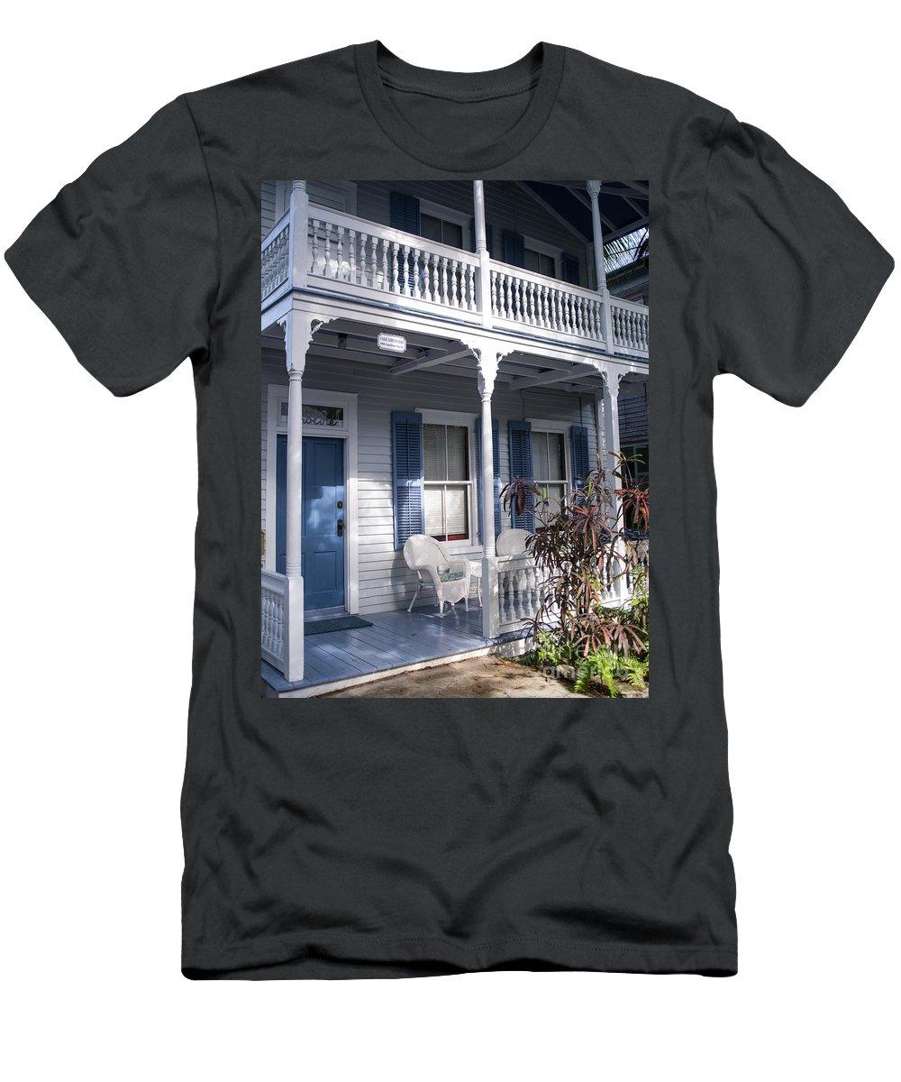 Casa Cayo Huego Men's T-Shirt (Athletic Fit) featuring the photograph Casa Cayo Huego by Tracy Knauer