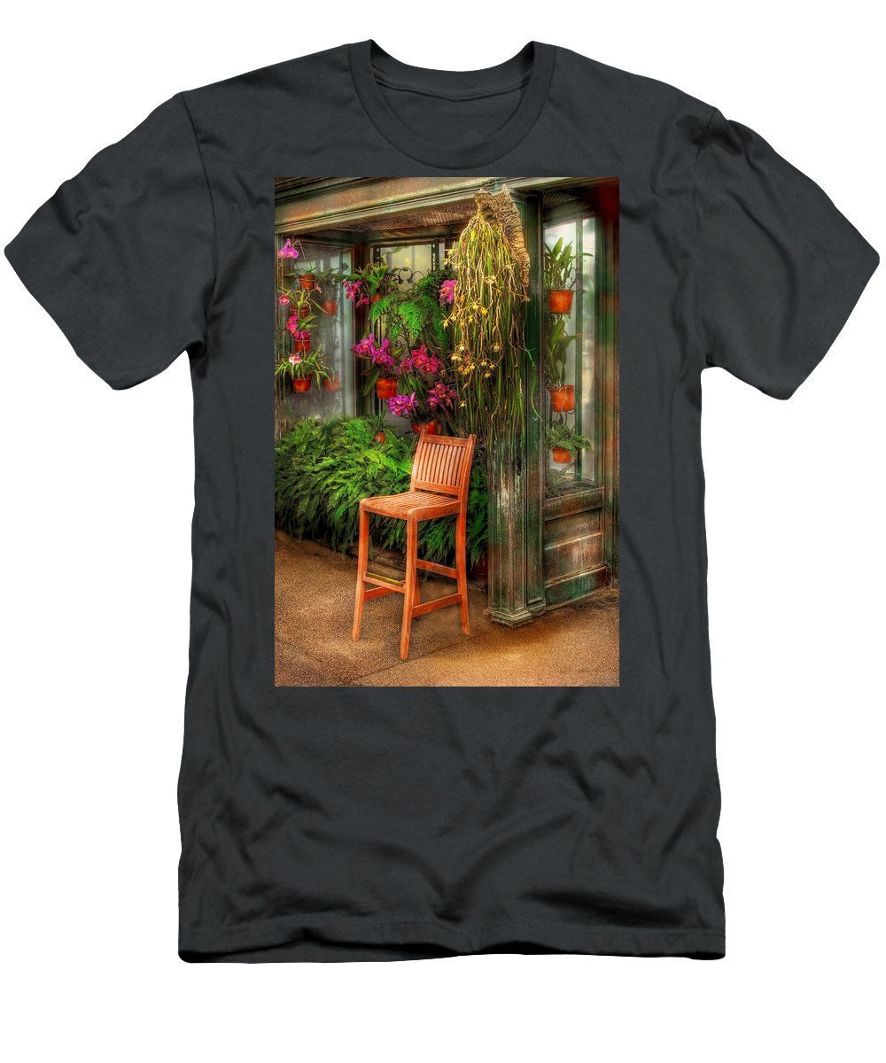 Seat Men's T-Shirt (Athletic Fit) featuring the photograph Chair - The Chair by Mike Savad