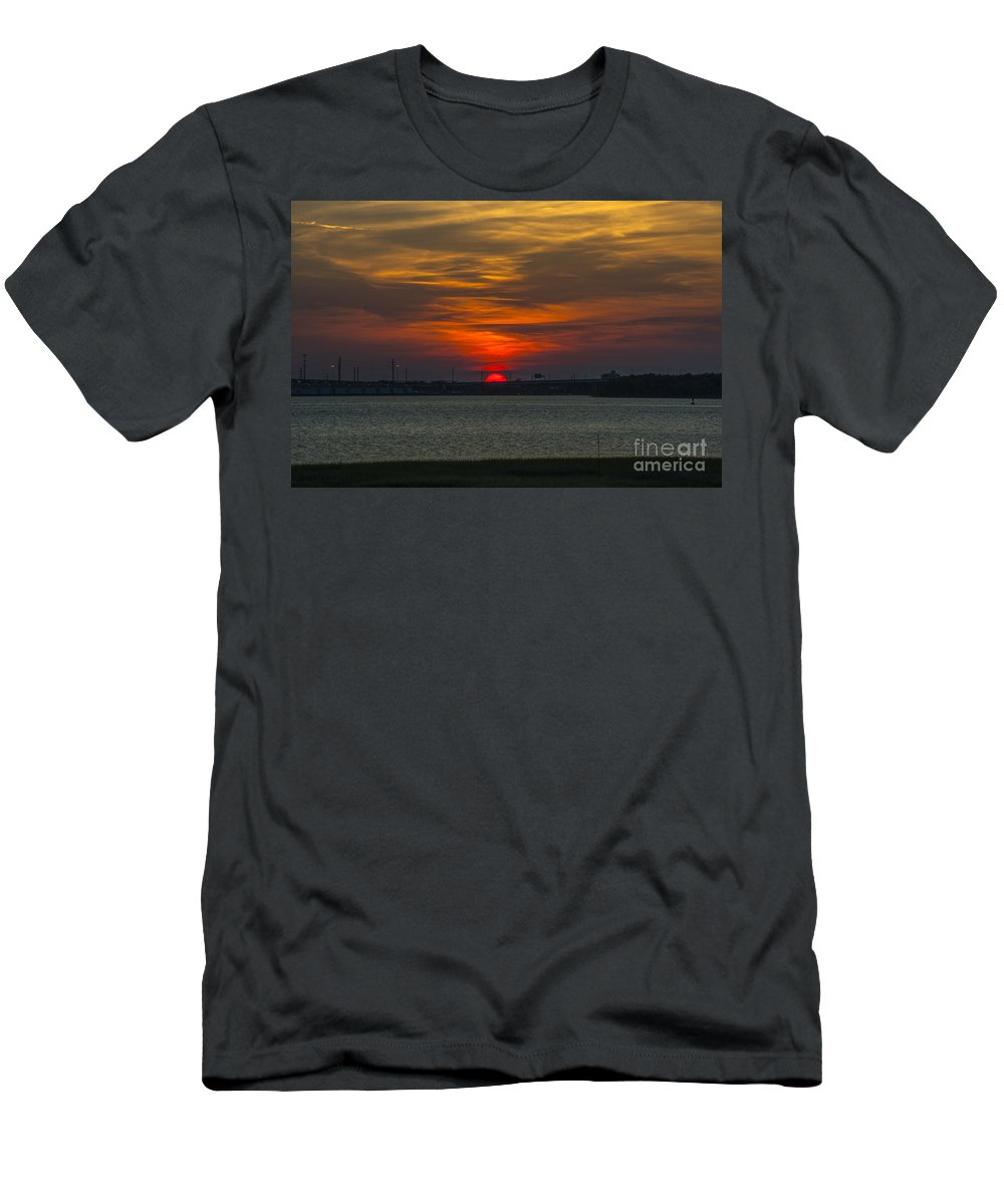 Sunset Men's T-Shirt (Athletic Fit) featuring the photograph Charleston Sc Sunset by Dale Powell