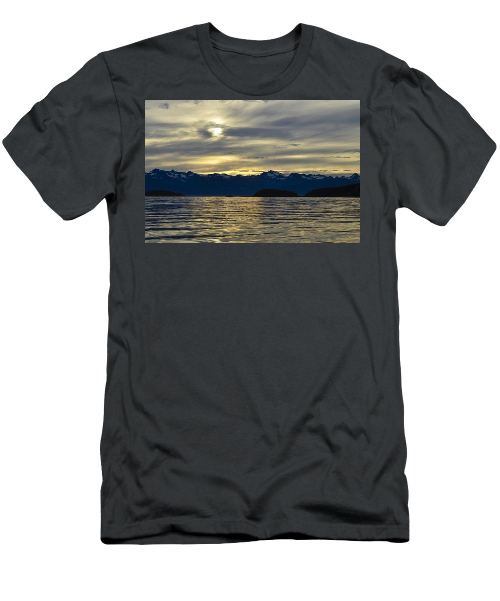 Setting Sun Men's T-Shirt (Athletic Fit) featuring the photograph Chilkat Sunset by Cathy Mahnke