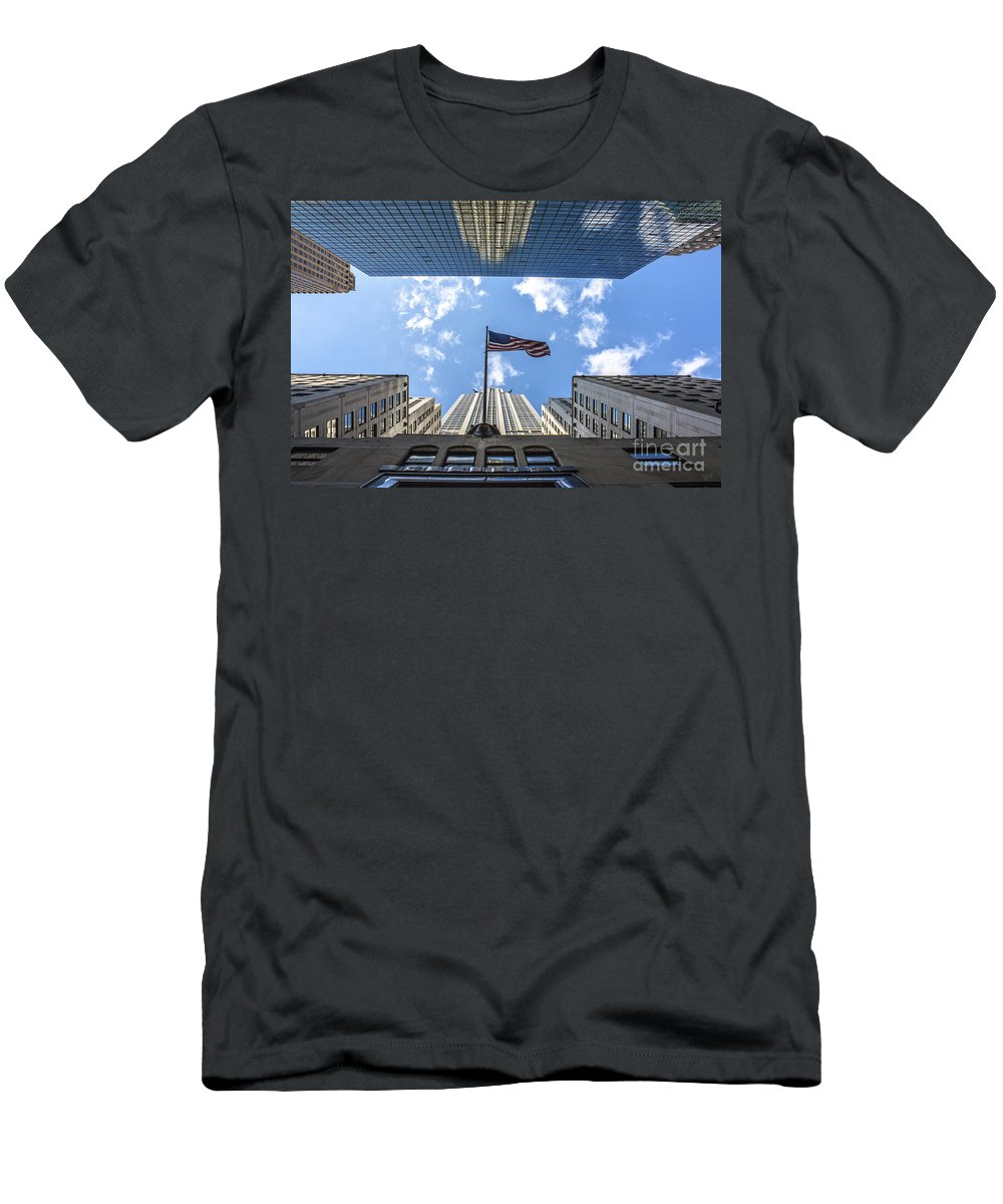 Chrysler Building Men's T-Shirt (Athletic Fit) featuring the photograph Chrysler Building Reflections Horizontal by Nishanth Gopinathan