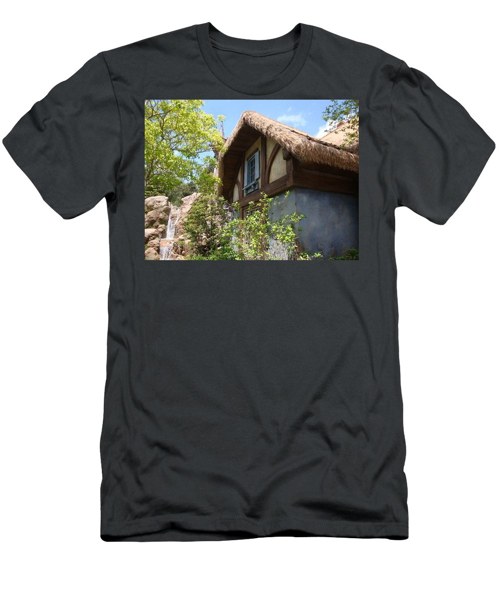 Cottage Men's T-Shirt (Athletic Fit) featuring the photograph Country Cottage by Kim Chernecky
