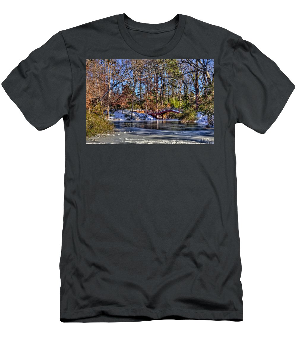 Crim Dell Men's T-Shirt (Athletic Fit) featuring the photograph Crim Dell In Winter William And Mary by Jerry Gammon