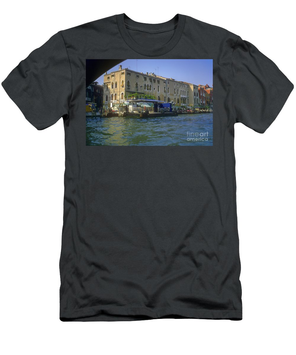 Venice Grand Venice Canal Canals Building Buildings Boat Boats Dock Docks Gondola Gondolas Structure Structures Shop Shops Stores Architecture People Person Persons Water Italy Men's T-Shirt (Athletic Fit) featuring the photograph Docks On The Grand Canal by Bob Phillips