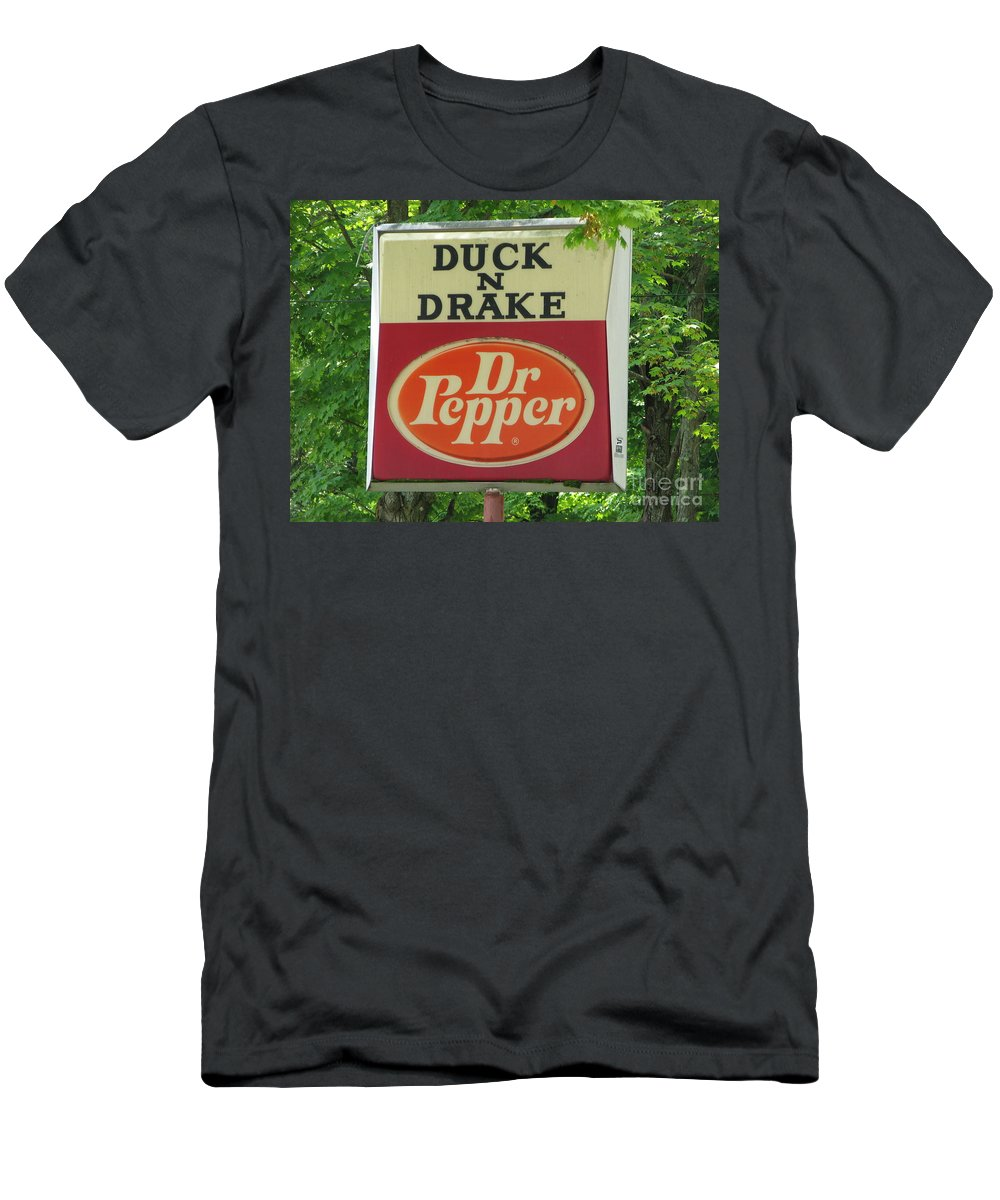 Duck And Drake Men's T-Shirt (Athletic Fit) featuring the photograph Duckter Pepper by Michael Krek