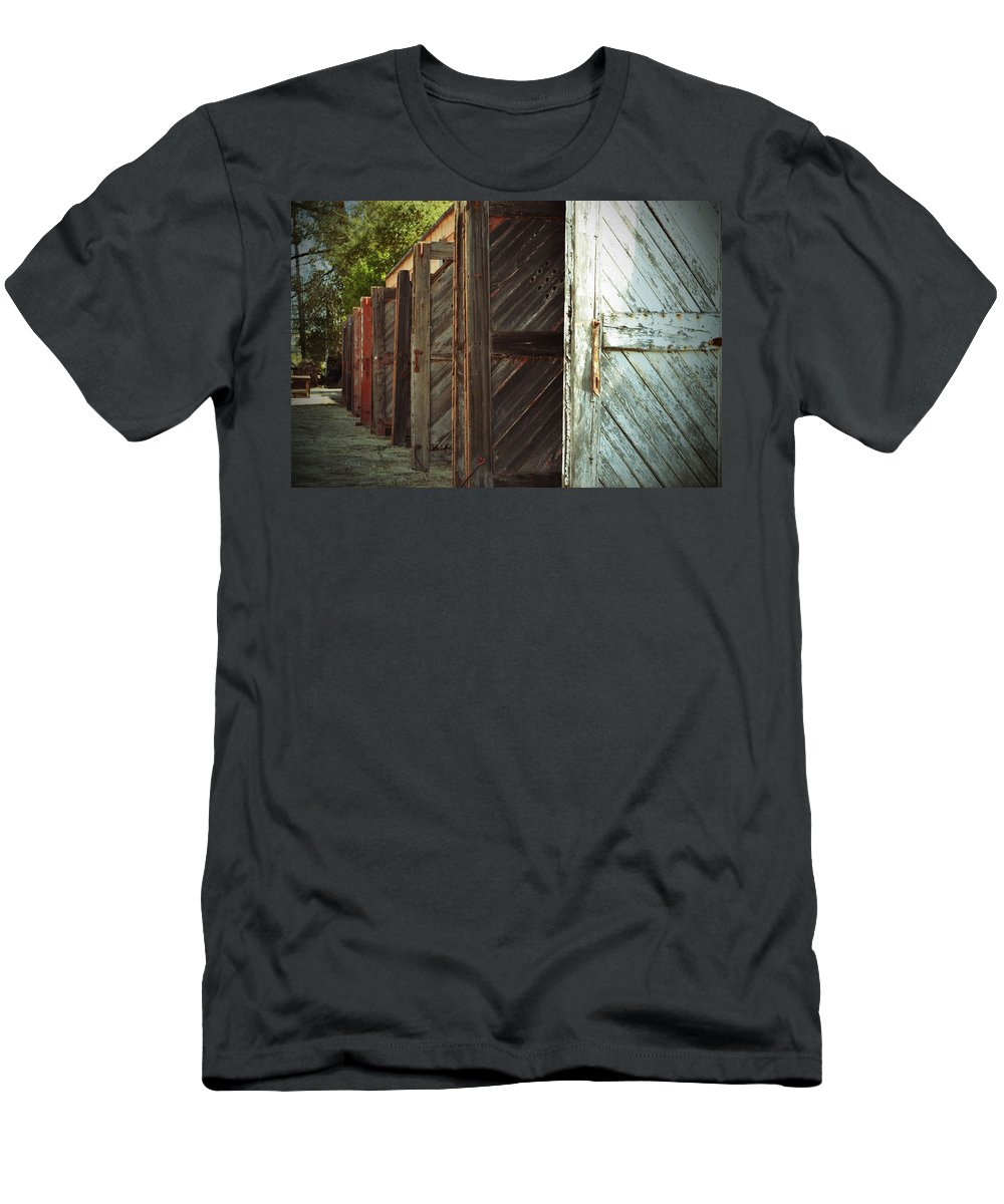 Building Men's T-Shirt (Athletic Fit) featuring the photograph Eight Doors by Holly Blunkall