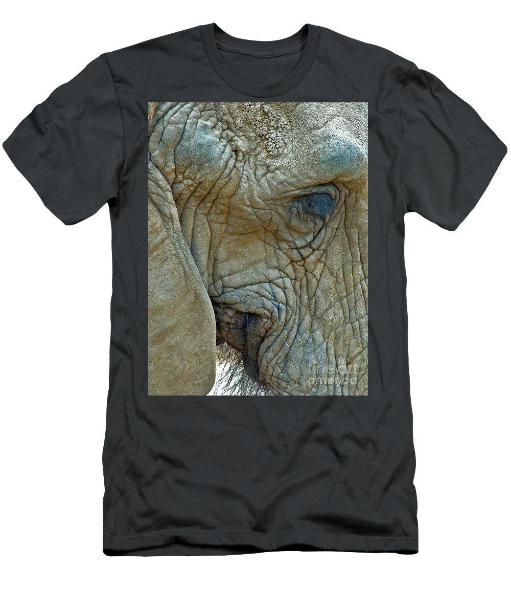 Elephant's Face Photograph. Elephant With Long Eyelashes That Won The Best Of Show. Men's T-Shirt (Athletic Fit) featuring the photograph Elephant's Face by Mae Wertz