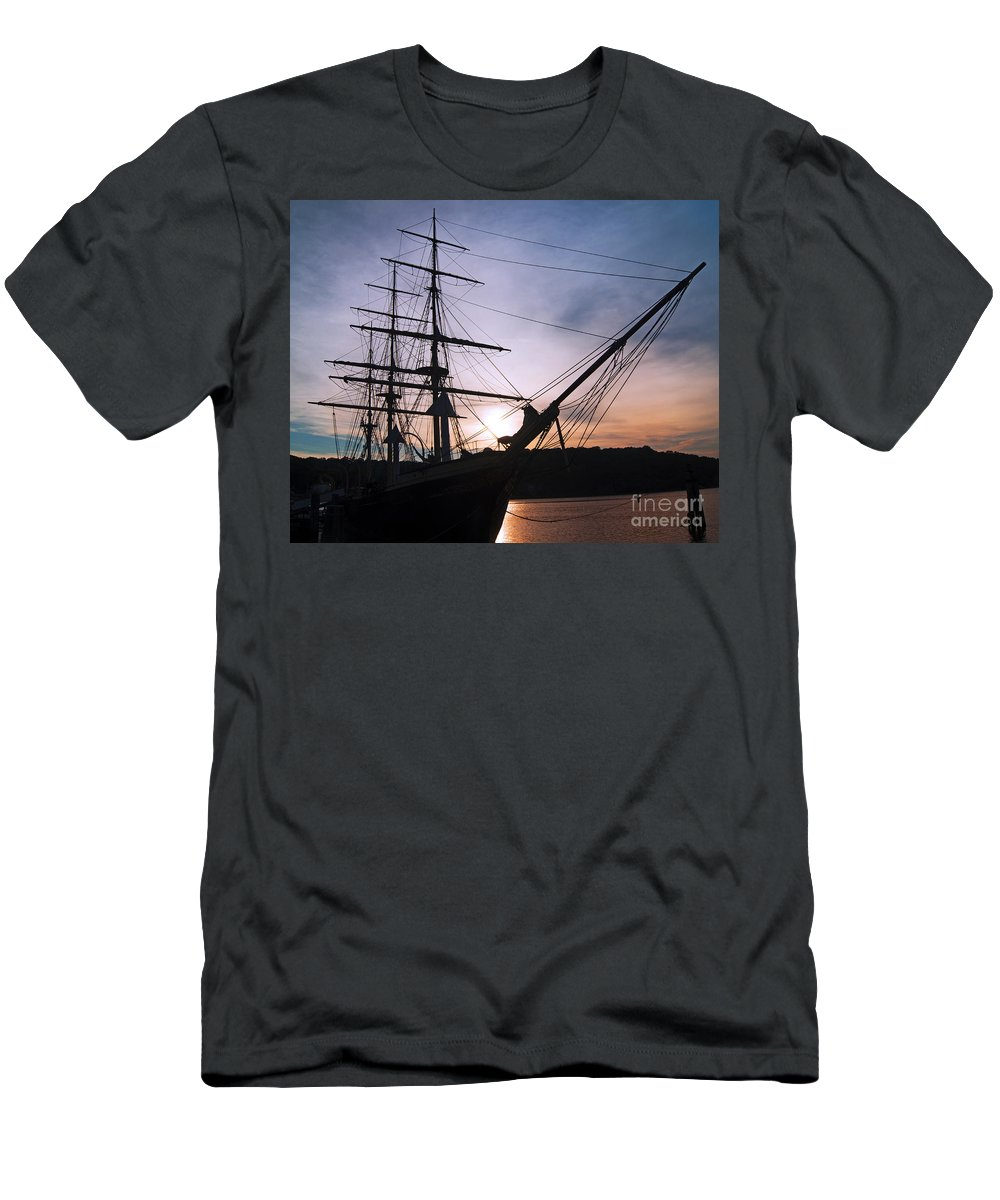 Tall Men's T-Shirt (Athletic Fit) featuring the photograph Evening Glow by Joe Geraci