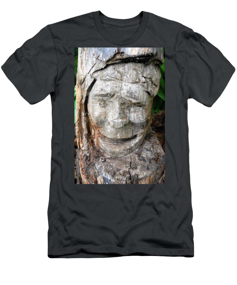 Nature Men's T-Shirt (Athletic Fit) featuring the photograph Face In A Tree by Amy Fose