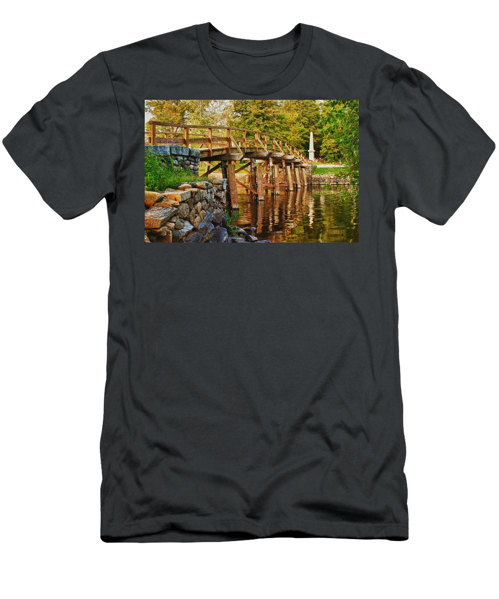 New England Men's T-Shirt (Athletic Fit) featuring the photograph Fall Foliage Over The North Bridge by Jeff Folger