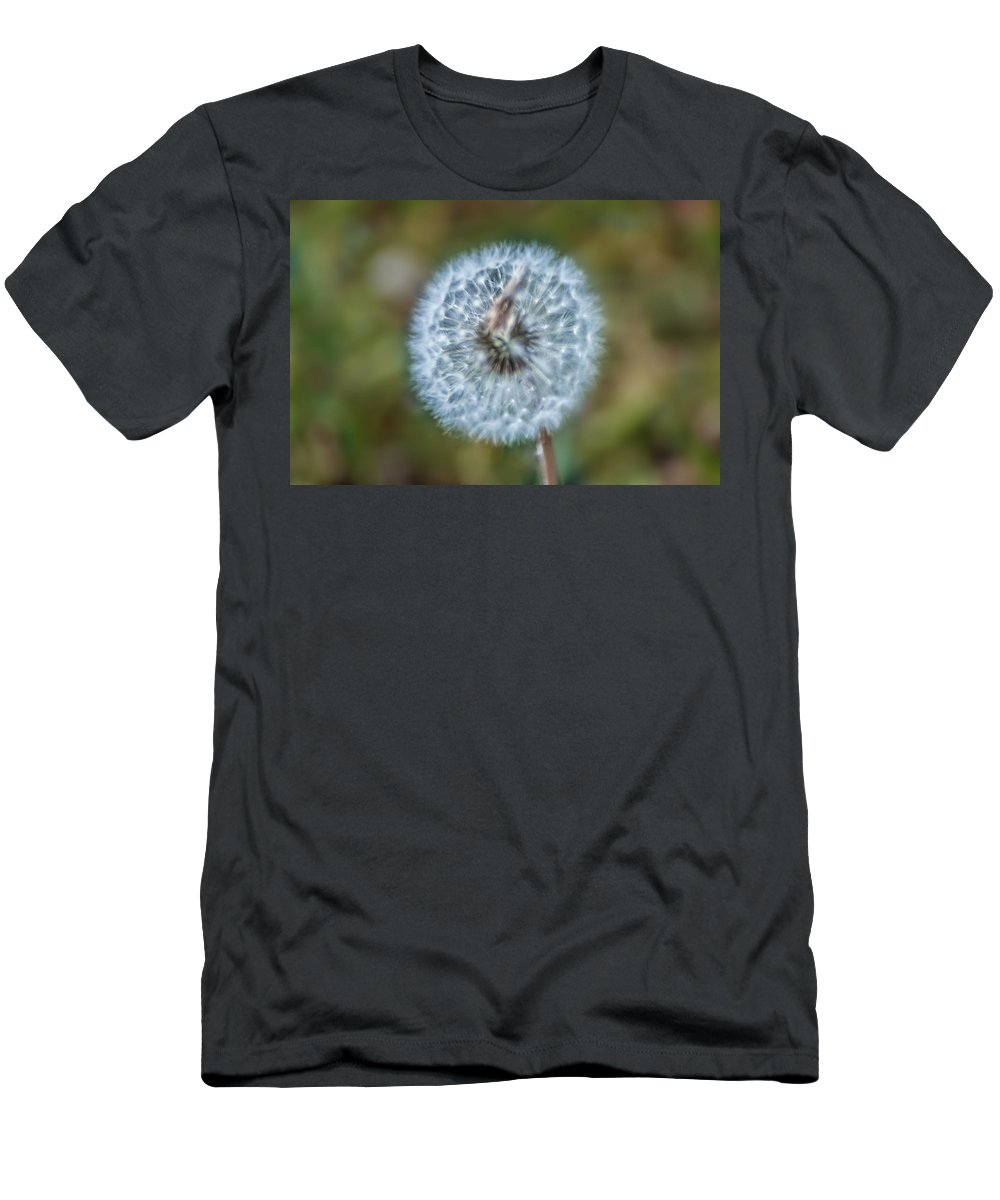 Feeling Men's T-Shirt (Athletic Fit) featuring the photograph Feeling Fuzzy by Bill Cannon