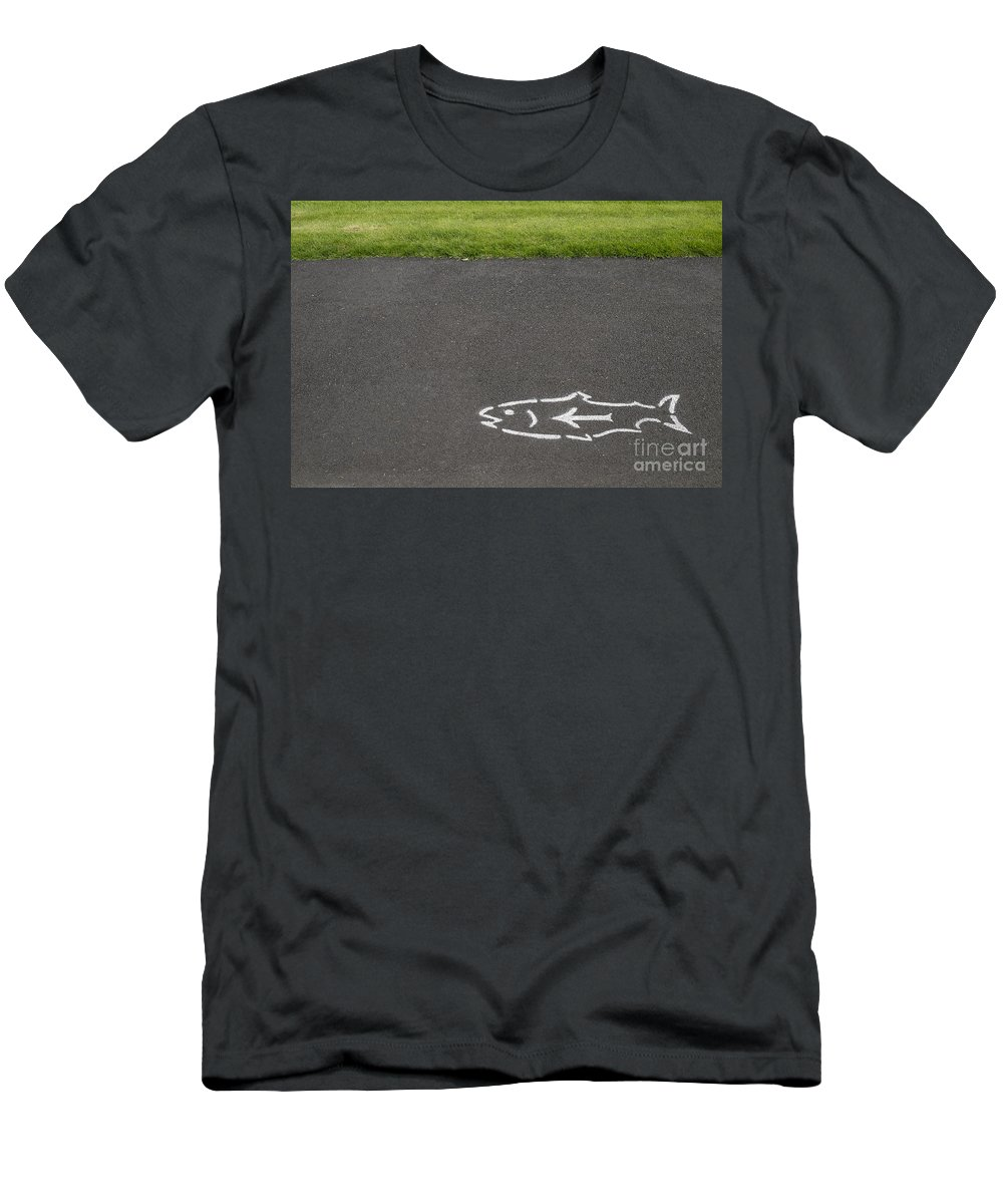 Columbia River Gorge Men's T-Shirt (Athletic Fit) featuring the photograph Fish And Arrow On Pavement by Bryan Mullennix