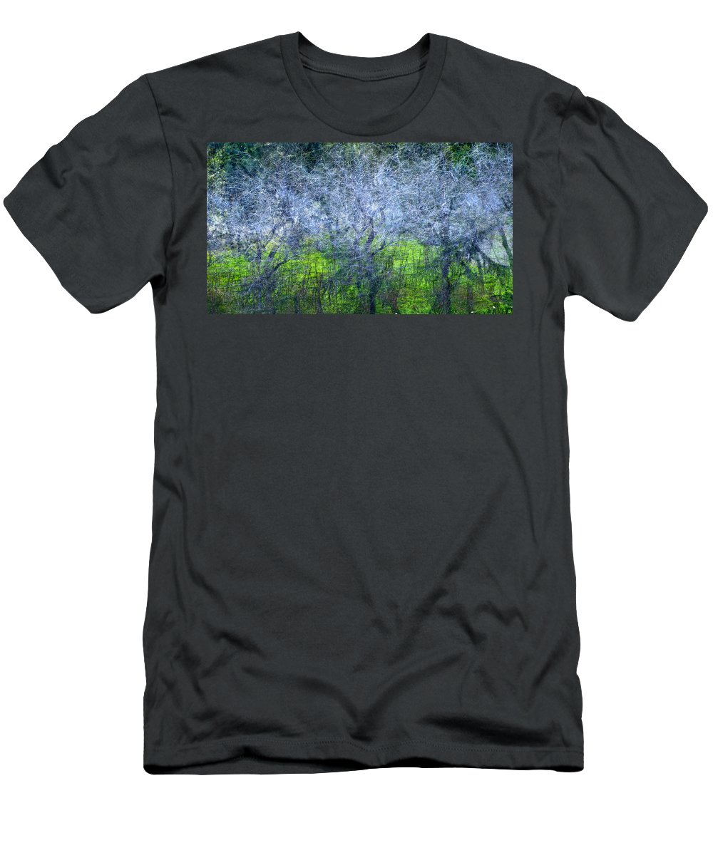 Bosques Men's T-Shirt (Athletic Fit) featuring the photograph Forest City by Guido Montanes Castillo