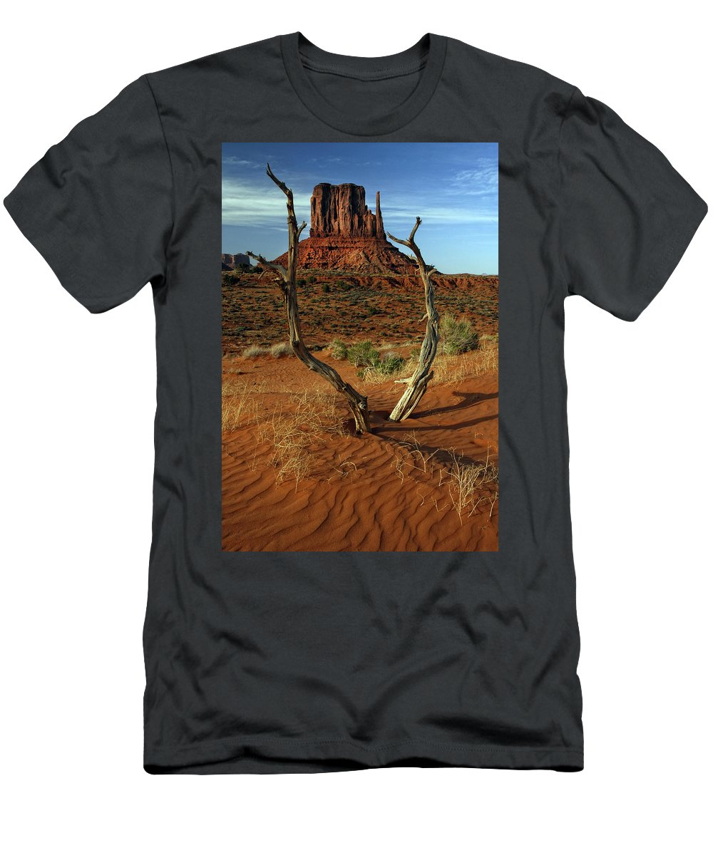 Left Mitten Men's T-Shirt (Athletic Fit) featuring the photograph Framing Left Mitten by Dave Mills