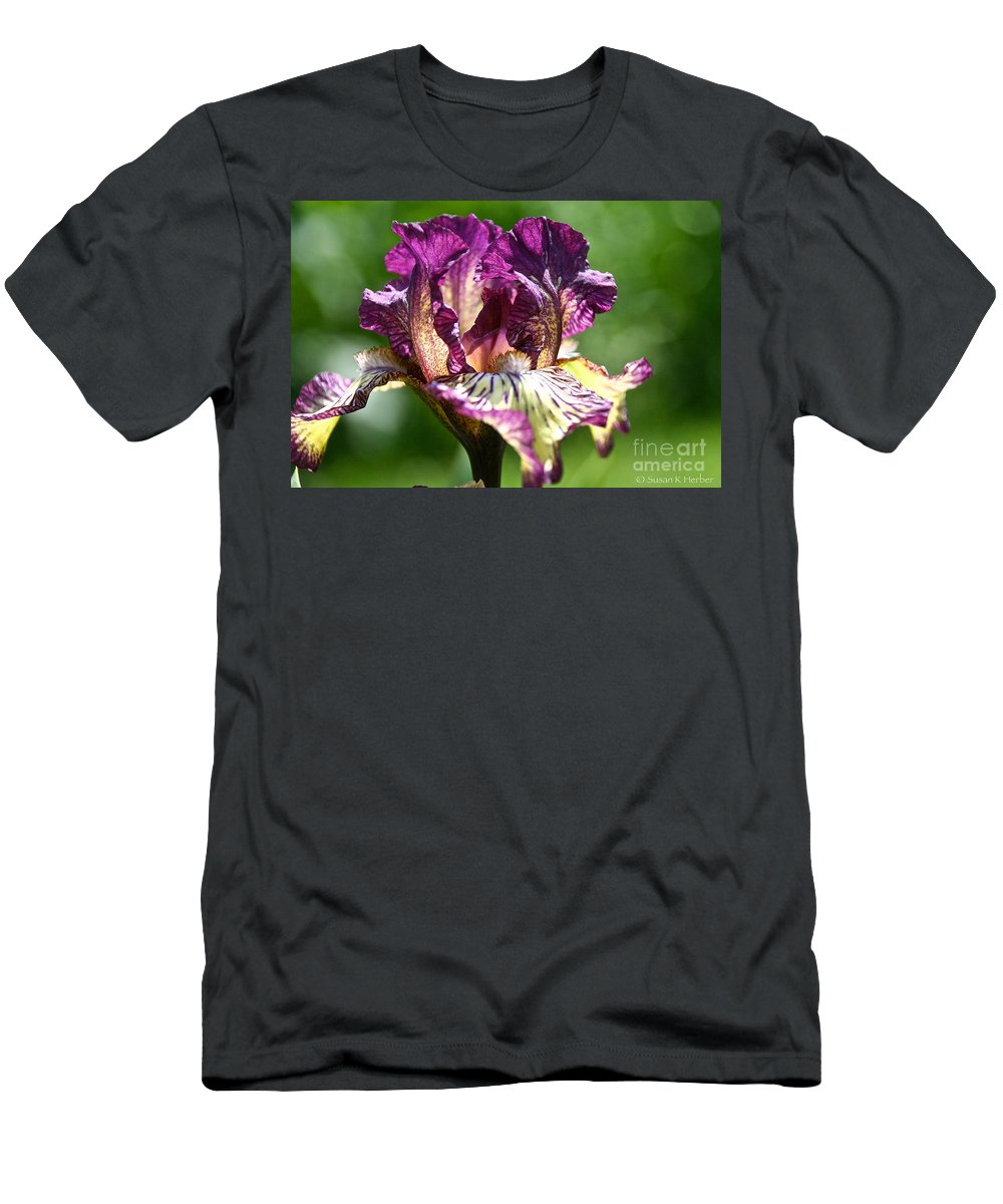 Flower Men's T-Shirt (Athletic Fit) featuring the photograph Gnu Rays by Susan Herber