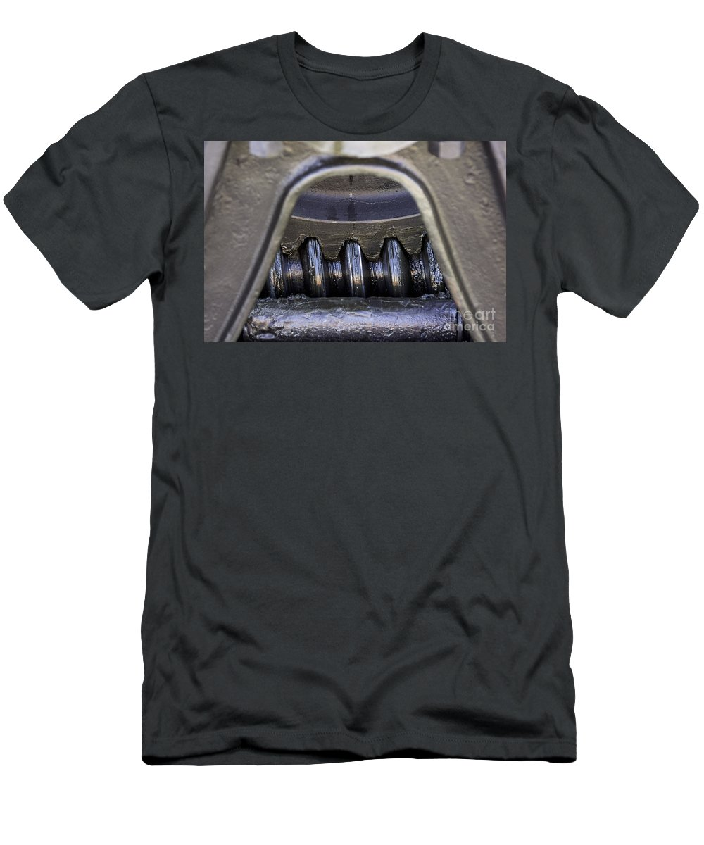 Gear Men's T-Shirt (Athletic Fit) featuring the photograph Greased by Joe Geraci