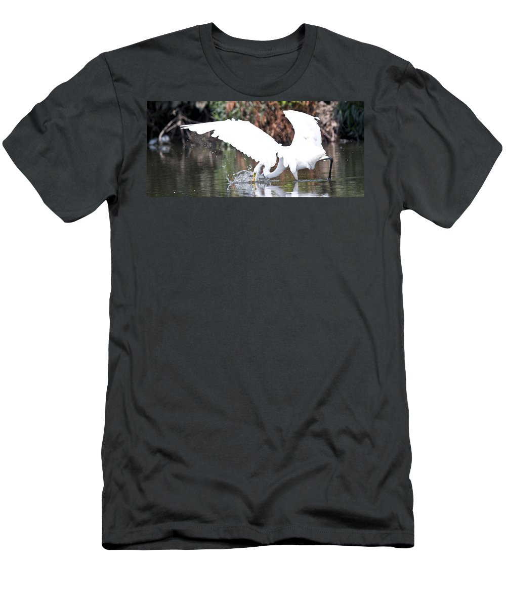 Great Blue Heron Photographs Men's T-Shirt (Athletic Fit) featuring the photograph Great White Egret Splash 1 by Vernis Maxwell