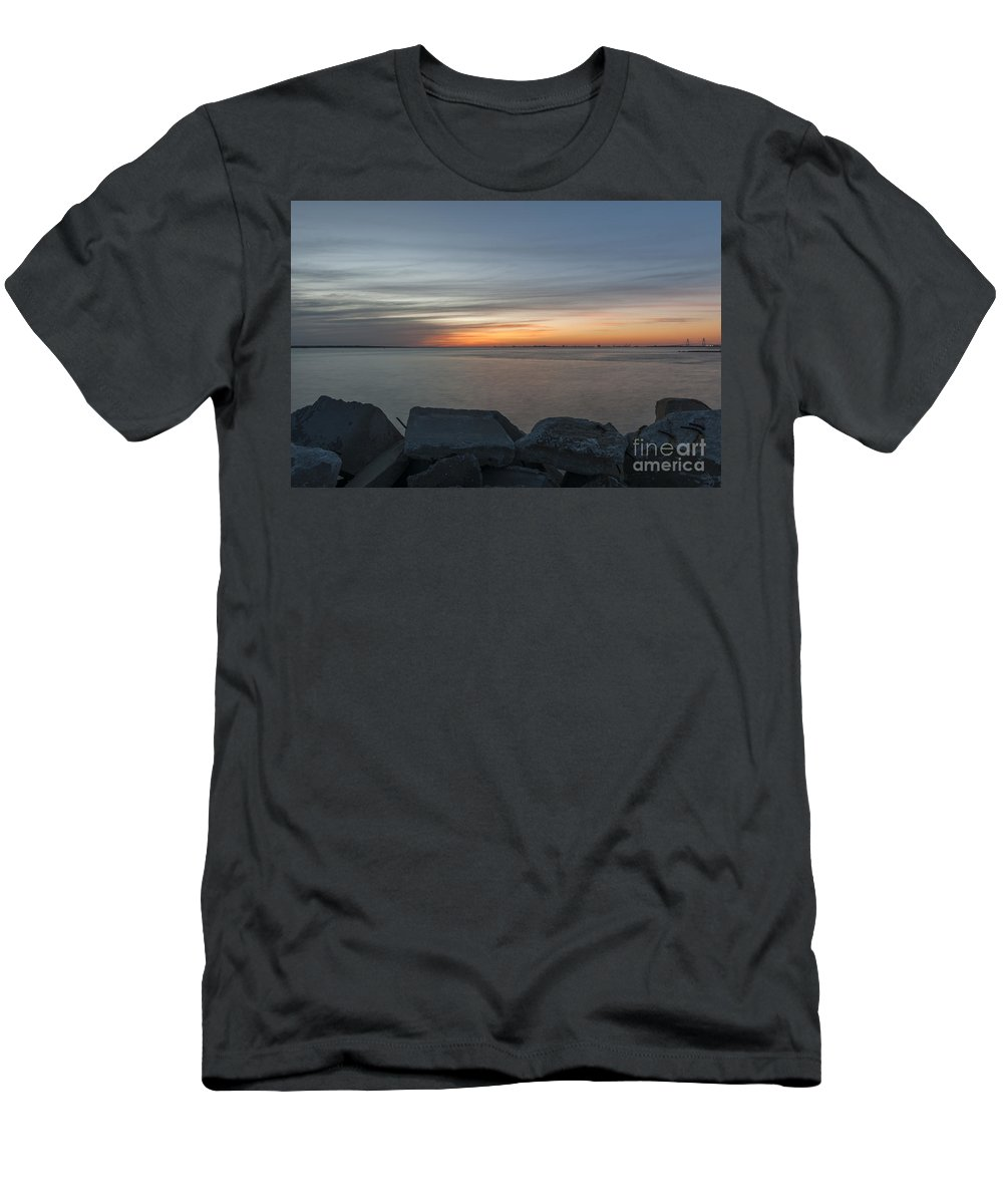 Sunset Men's T-Shirt (Athletic Fit) featuring the photograph Harbor View by Dale Powell