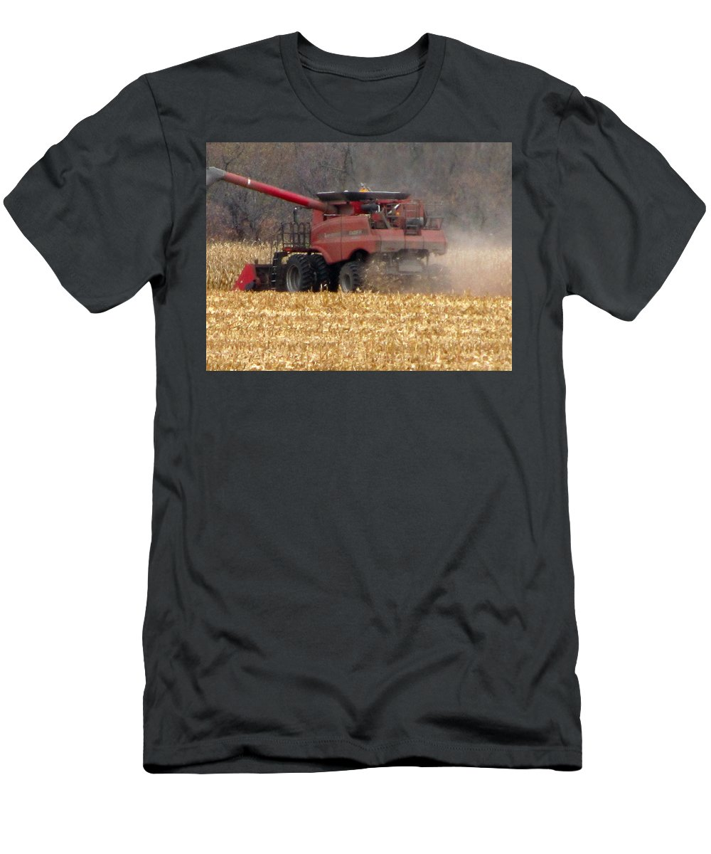 Farm Men's T-Shirt (Athletic Fit) featuring the painting Heart Of Life by Robert Nacke
