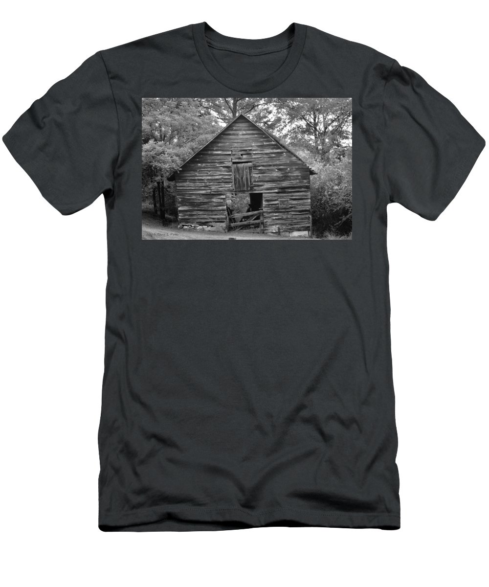 Barn Men's T-Shirt (Athletic Fit) featuring the photograph Hillside Barn by Tara Potts
