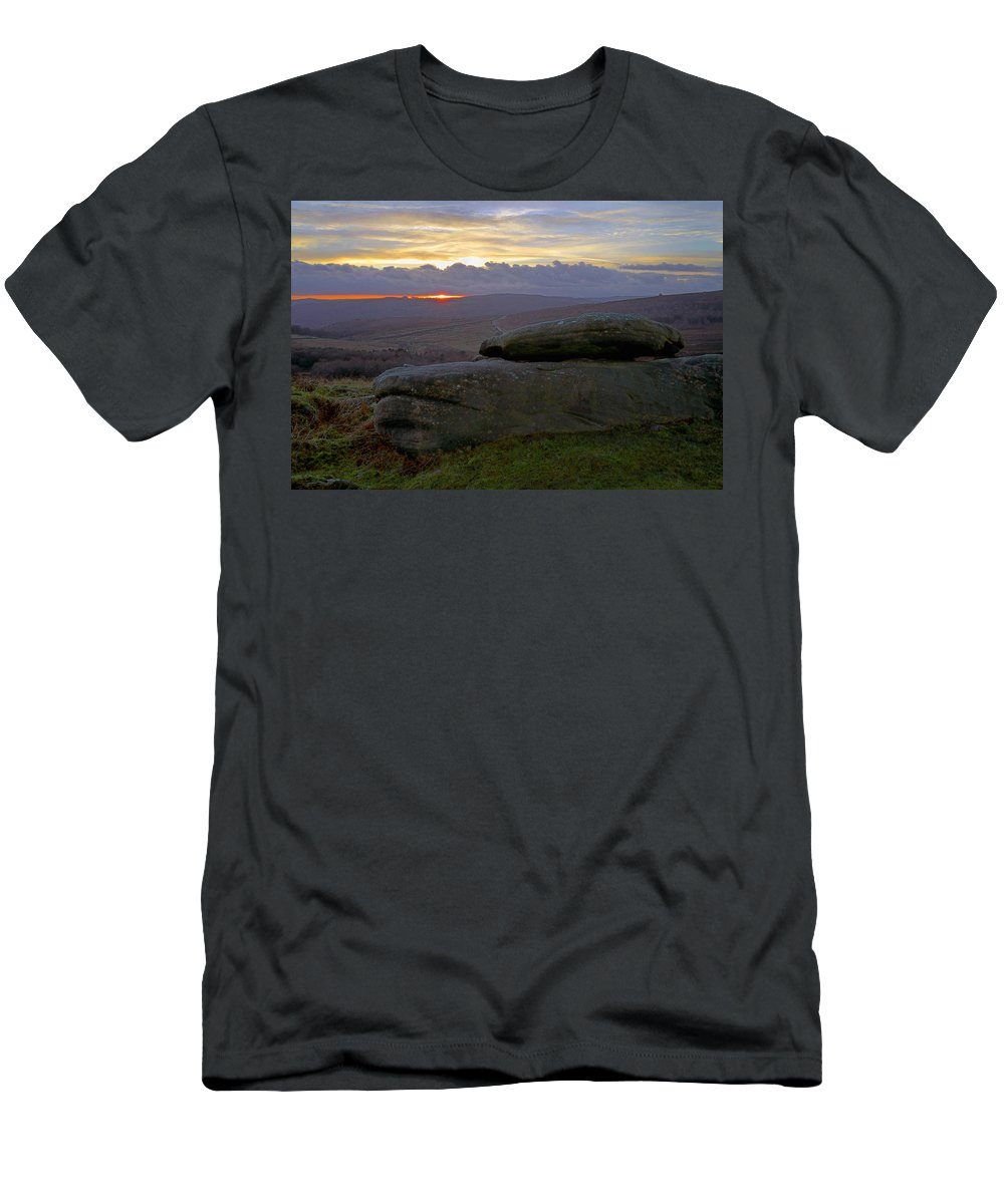 Sunset Men's T-Shirt (Athletic Fit) featuring the photograph Hope Valley Sunset by Darren Galpin