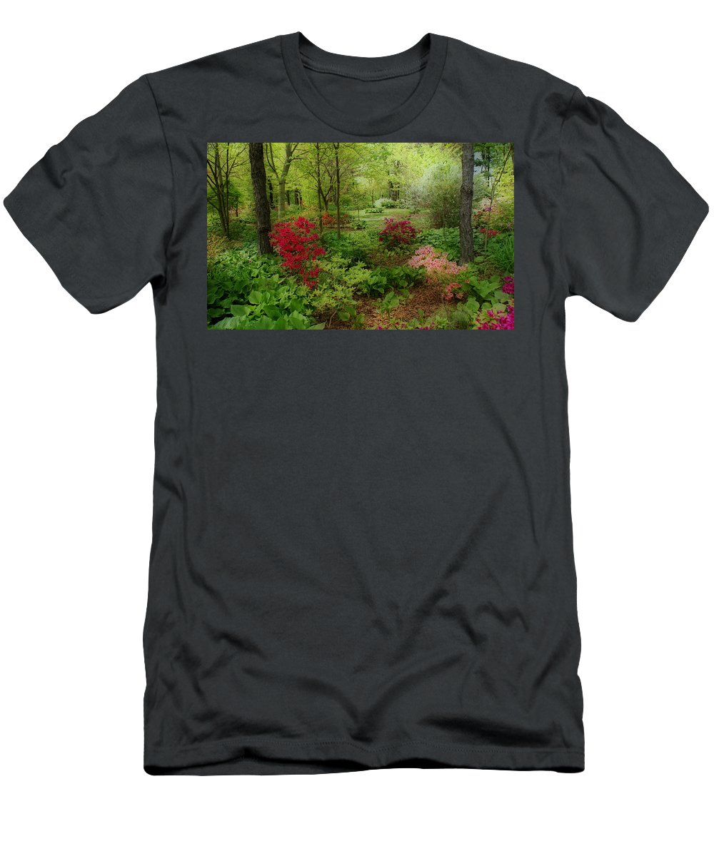 Gardens Men's T-Shirt (Athletic Fit) featuring the photograph In My Dreams by Sandy Keeton