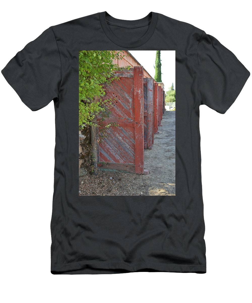 Building Men's T-Shirt (Athletic Fit) featuring the photograph Infinite Red Doors by Holly Blunkall