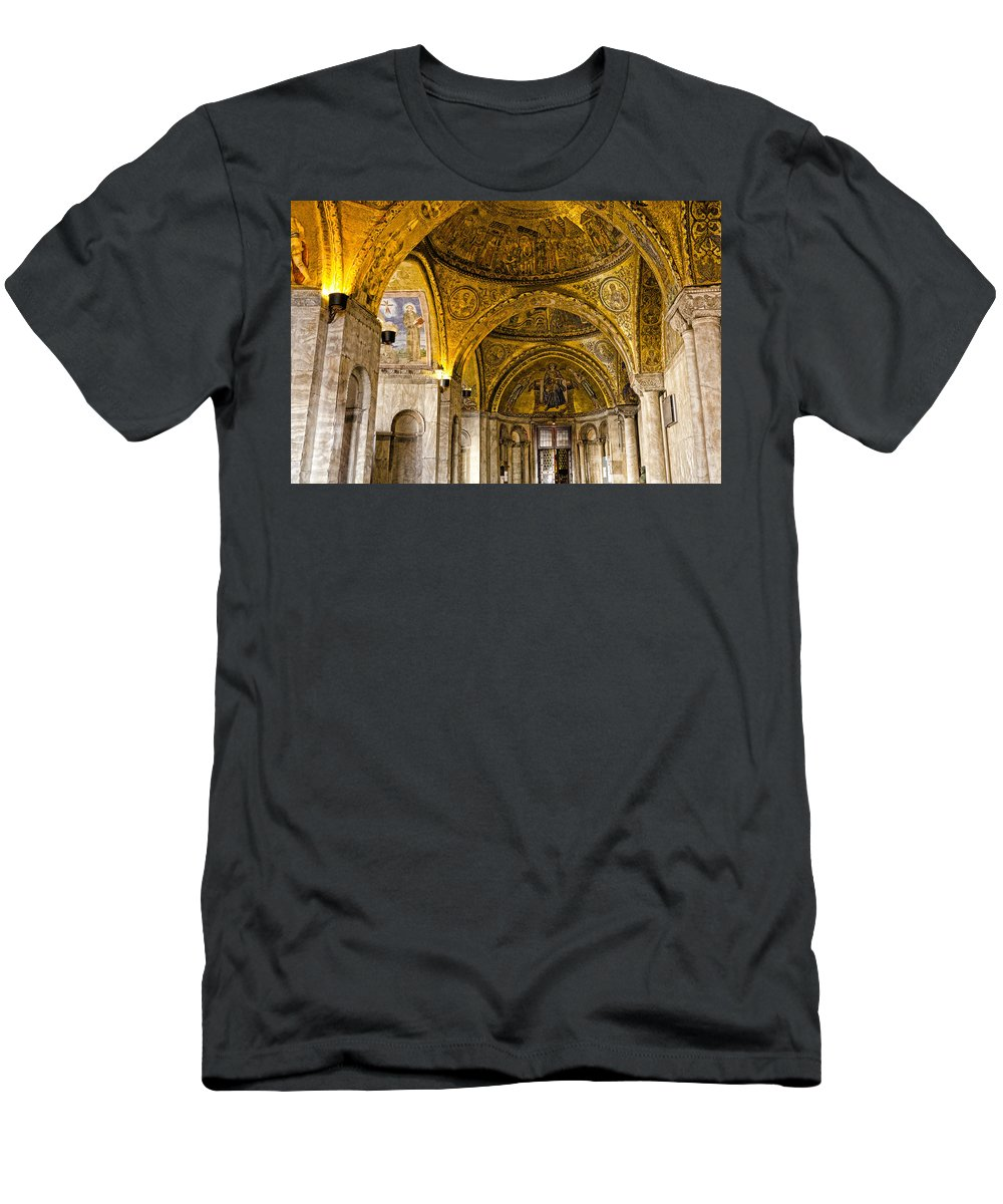 Venice Italy Men's T-Shirt (Athletic Fit) featuring the photograph Italy - St Marks Basiclica Venice by Jon Berghoff