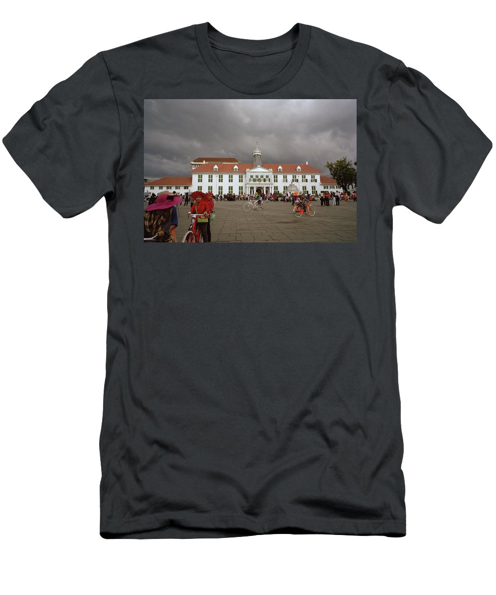 Jakarta Men's T-Shirt (Athletic Fit) featuring the photograph Jakarta History Museum by Shaun Higson