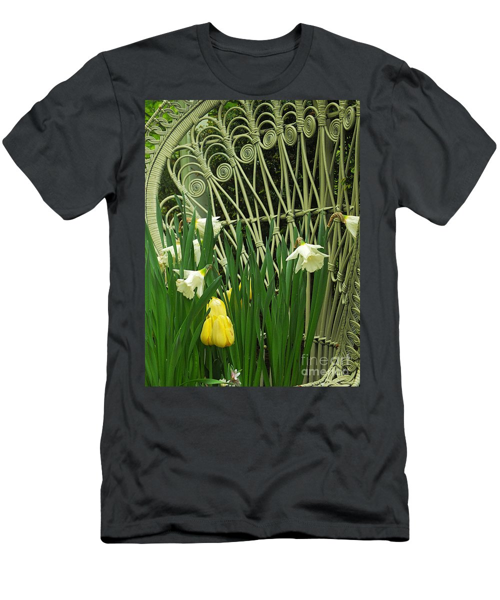 Keukenhof Gardens Men's T-Shirt (Athletic Fit) featuring the photograph Keukenhof Gardens 45 by Mike Nellums